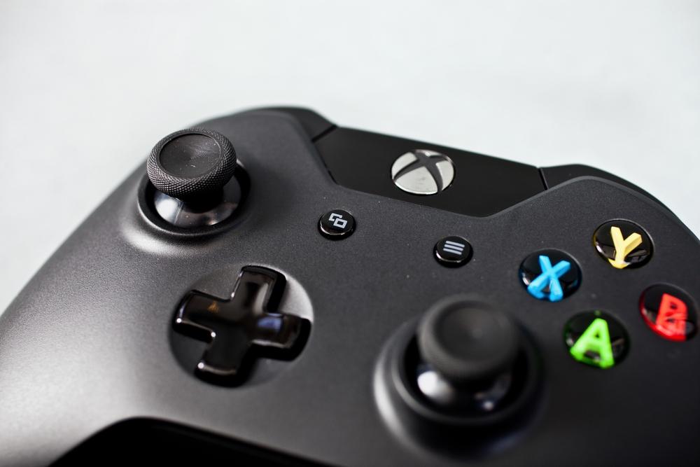 [News] La Xbox One en image ! 1369335479039682400