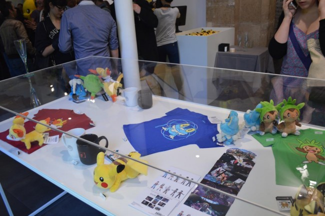 Pokémon center et ses articles, stands ect... (à éditer) 1401881245034982500