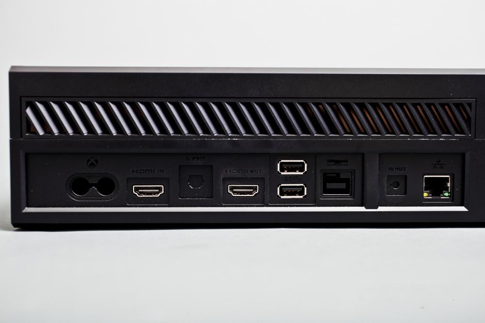 [News] La Xbox One en image ! 1369335161037855400