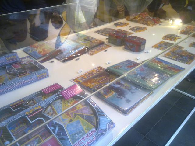 Pokémon center et ses articles, stands ect... (à éditer) 1401881365053820900