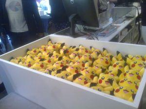 Pokémon center et ses articles, stands ect... (à éditer) 1401880725003646900